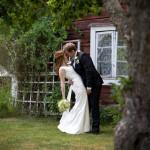 Brudparet i trädgården
