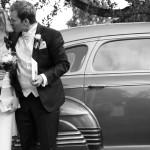 Det nygifta paret anländer till festen